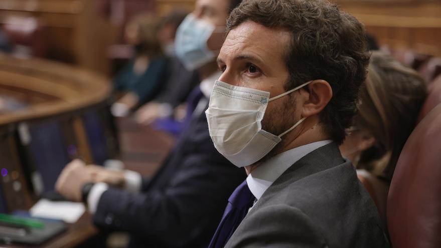 El líder del PP, Pablo Casado, en una sesión de control al Gobierno en el Congreso de los Diputados, a 23 de junio de 2021, en Madrid, (España).