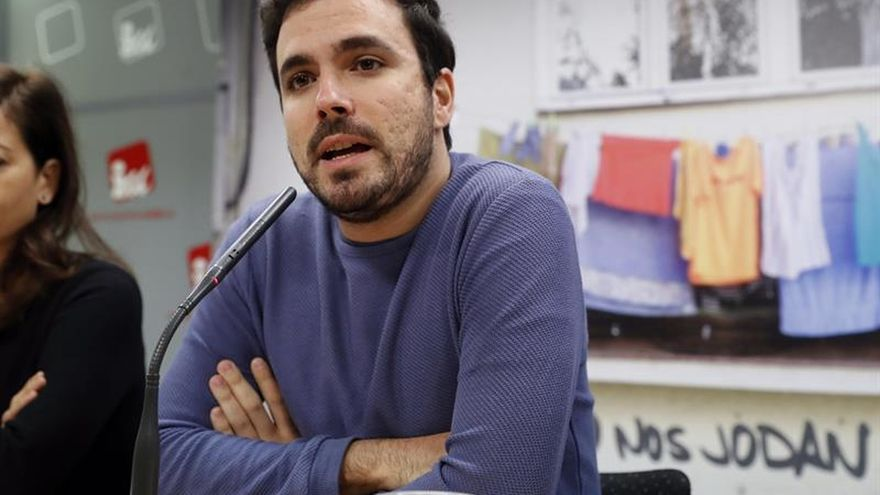 """Garzón llama a """"luchar juntos"""" contra una precariedad provocada por el PP"""