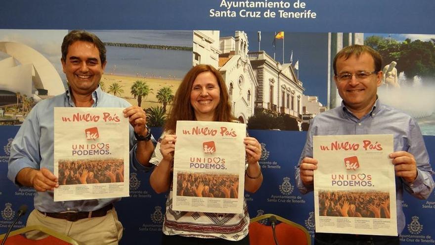 Pedro Fernández Arcila y Asun Frías, de Sí Se Puede, junto a Ramón Trujillo, de IUC, en una imagen de archivo