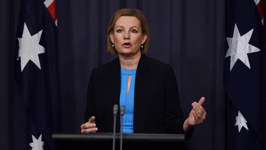 Una ministra australiana dimite por usar un viaje oficial para comprar un piso