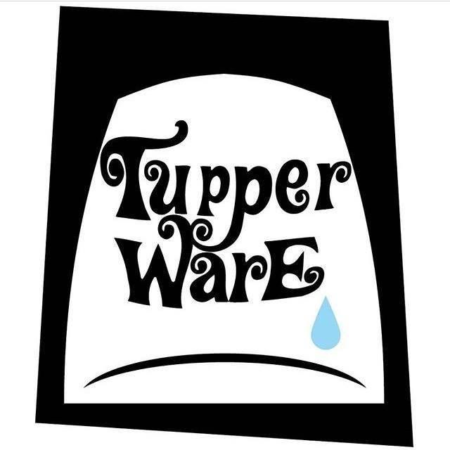 Logo del Tupperware, con una lágrima por el fallecimiento de Sonia del Amo