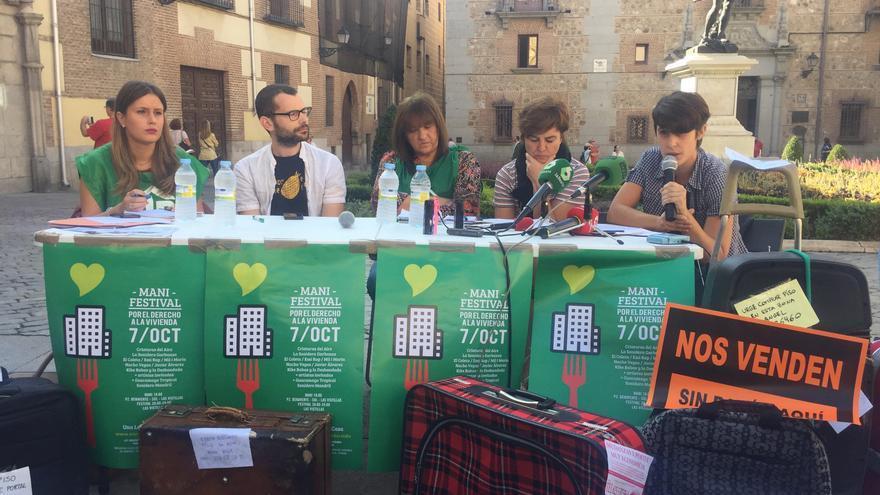 Vecinos de lavapi s denuncian ante el ayuntamiento de for Pisos turisticos madrid