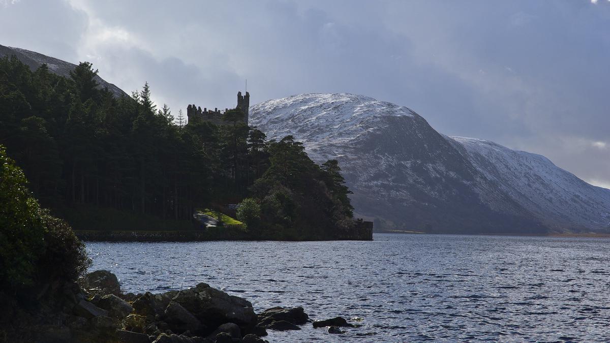 Paisajes invernales en Lough Veagh, el corazón del Parque Nacional Glenveagh.