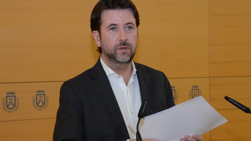 Carlos Alonso, en la rueda de prensa de presentación de los acuerdos del Consejo de Gobierno insular.