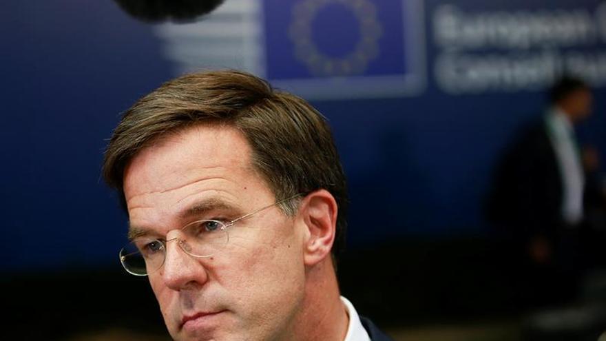 Rutte defiende en el Parlamento los recortes de impuestos a las empresas