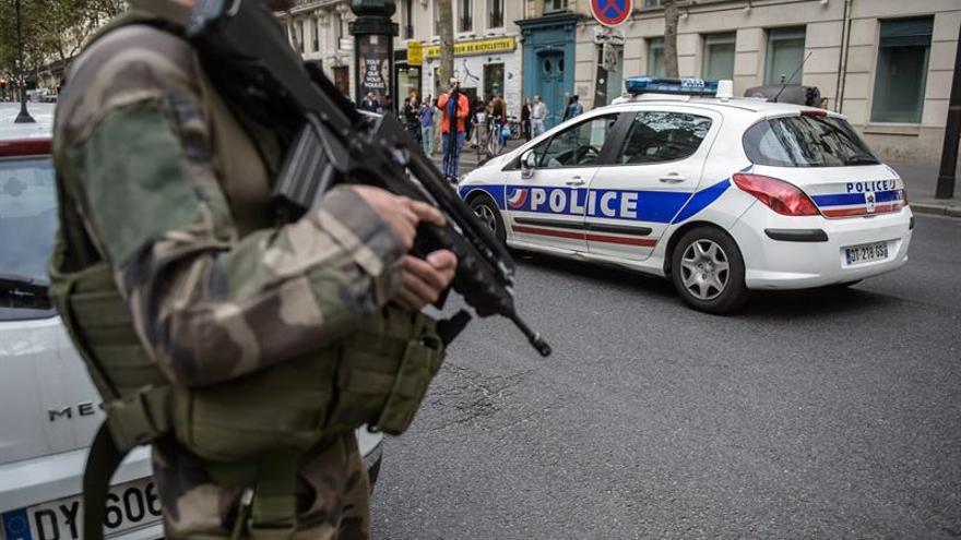 Dos adolescentes se atribuyen la falsa alerta terrorista el sábado en París