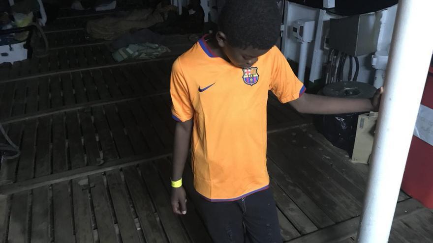 Kisley, con su camiseta del Barça.
