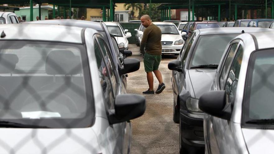 El Gobierno cubano crea web oficial para anuncios de compraventa de vehículos