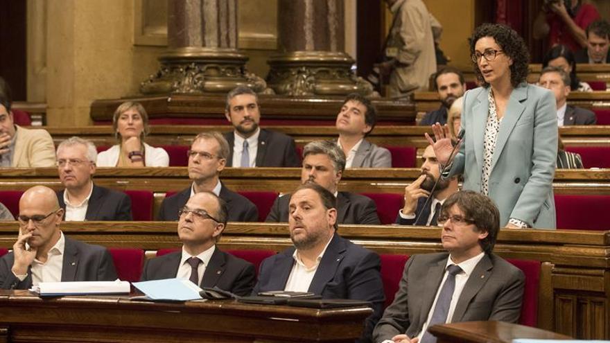 JxSí y CUP fuerzan incluir la ley de ruptura en el pleno en medio de una gran bronca