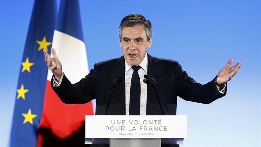 """Fillon dice que Francia se arriesga a """"balcanizarse"""" por culpa de sectarismos"""