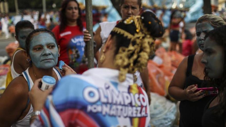 El sambódromo lleva el carnaval de Río a su momento cumbre