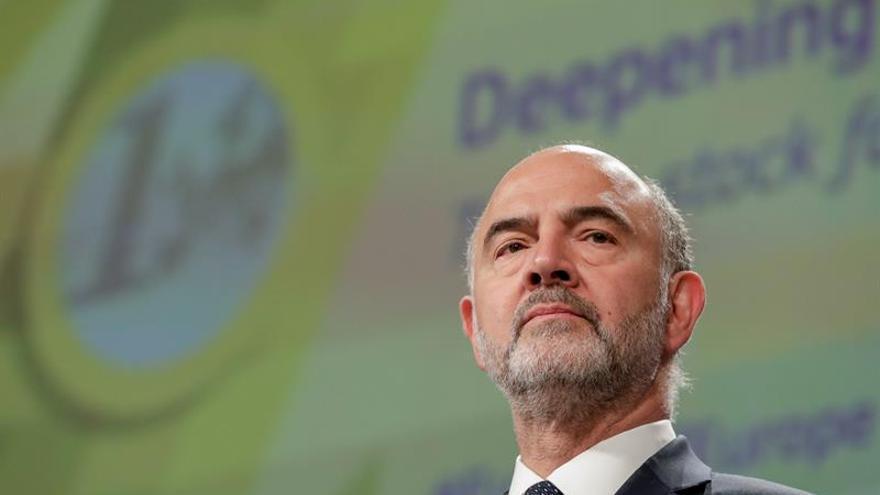 Bruselas evita abrir un procedimiento de infracción a Italia por su deuda