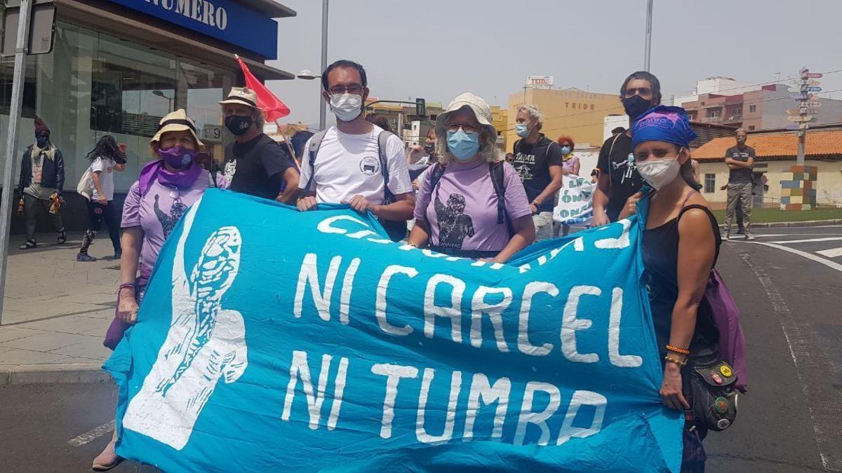 Algunos de los activistas de la Caravana, entre los que hay varios vecinos y vecinas de Tetuán