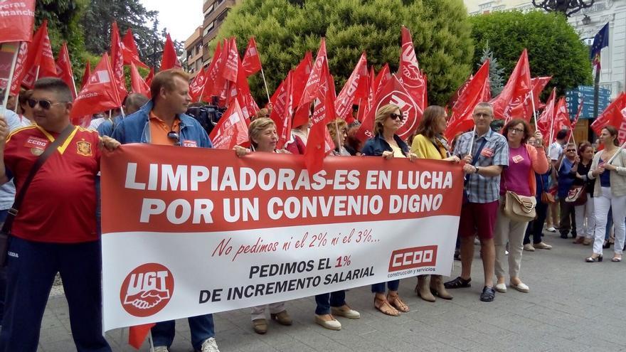 Protesta de los trabajadores de la limpieza en Albacete / Lourdes Cifuentes
