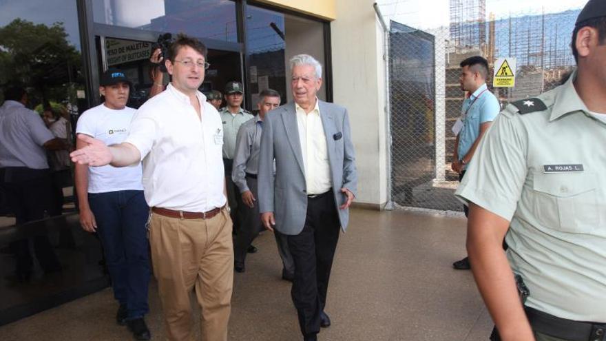 Vargas Llosa dice que la petición boliviana de mar debió resolverse en una negociación