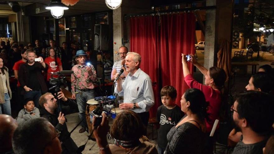 Jeremy Corbyn en la fiesta organizada por Latinos con Corbyn en Londres./ Foto: Latinos con Corbyn