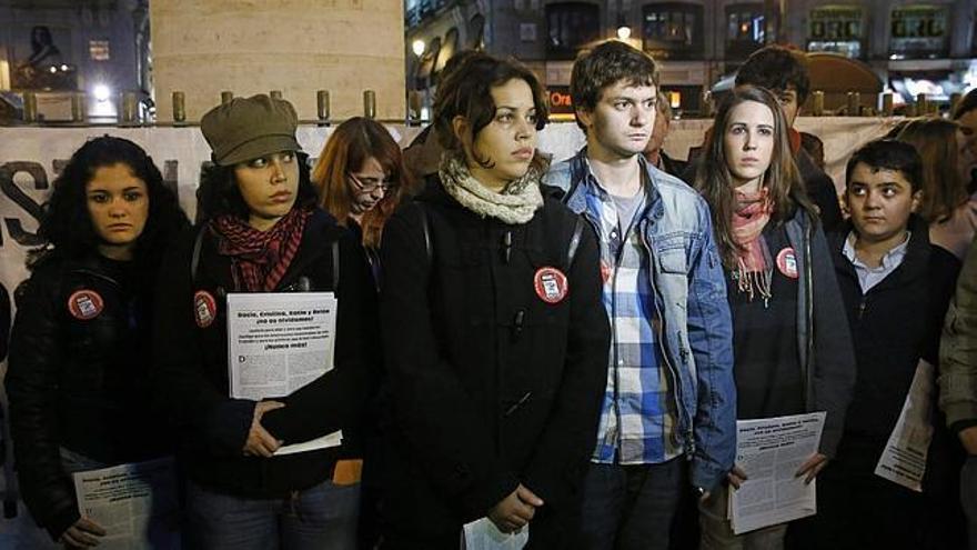 Concentración de protesta y recuerdo en Cibeles por las víctimas de Madrid Arena, 8 de octubre