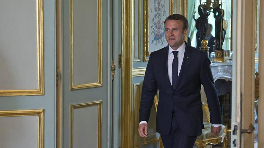 Macron pedirá al Parlamento prolongar el estado de emergencia hasta noviembre