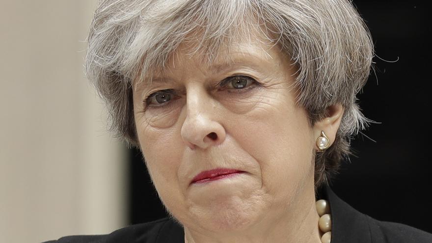 Theresa May convocó elecciones para dominar por completo la política británica. Ahora comienza a pagar su error.