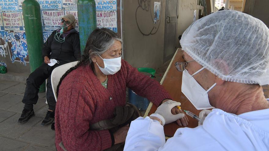 Más del 70 % de los contagiados con la COVID-19 en Bolivia se recuperaron