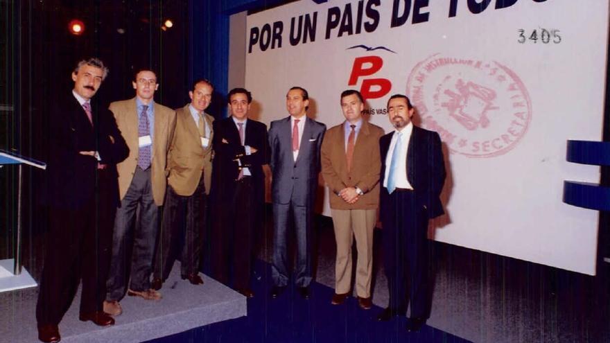 Correa junto a Luis Bárcenas y Jesús Sepúlveda tras en un acto de campaña del PP