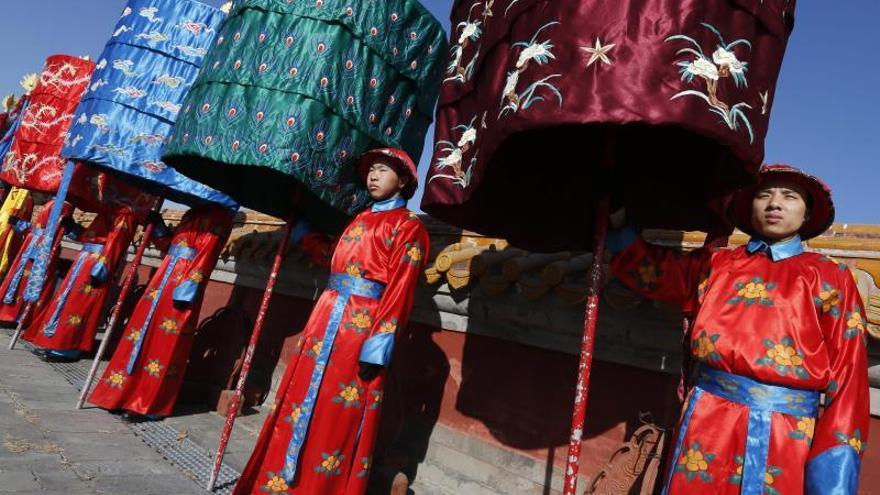 Menos petardos y más austeridad para recibir al Año del Caballo en China