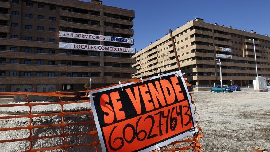 La paradoja de la vivienda castellano-manchega: vale la mitad que hace diez años pero tarda más en venderse