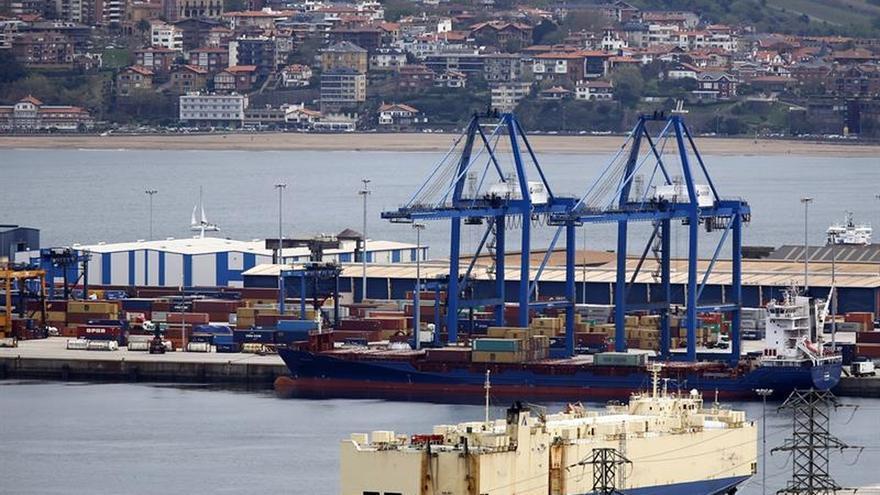 El tráfico de Puerto de Bilbao baja un 1,2 % por caída de gas y parada de ACB