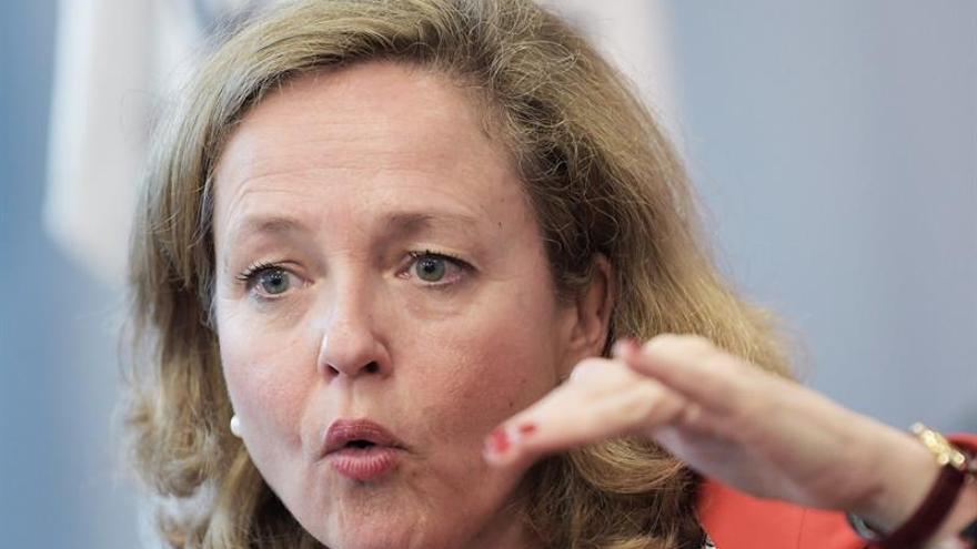 Calviño: España es una de las grandes economías que resiste el frenazo global