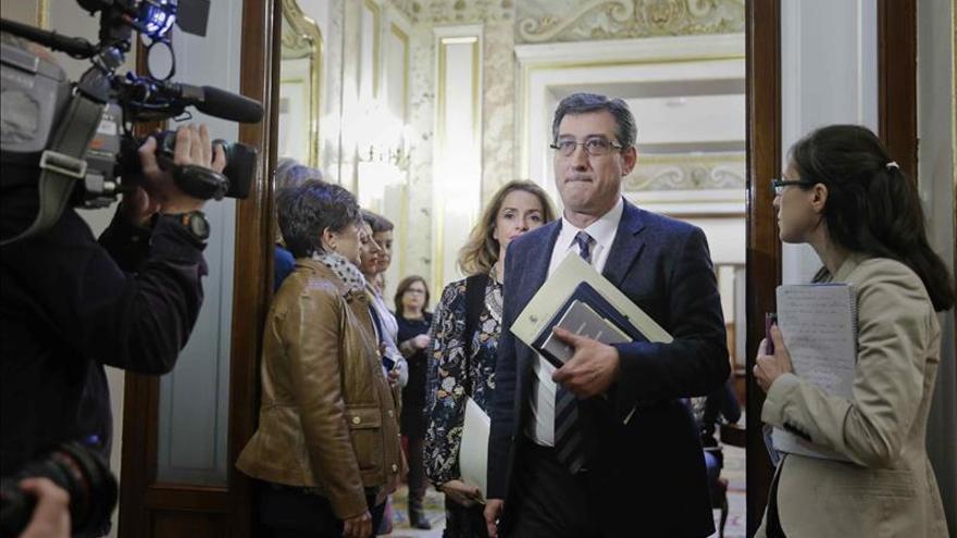 El Congreso aprueba siete grupos parlamentarios y rechaza el de Compromís