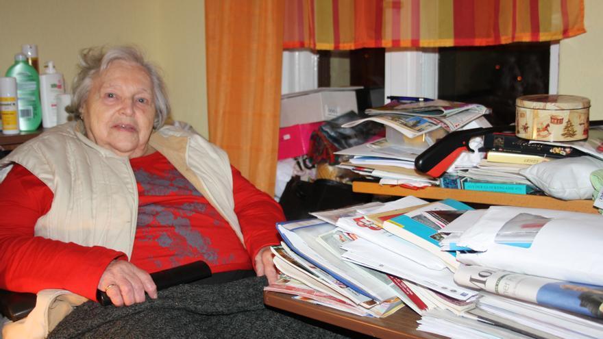 Gertrude Troche, en su cuarto del piso compartido al que se ha mudado a vivir.