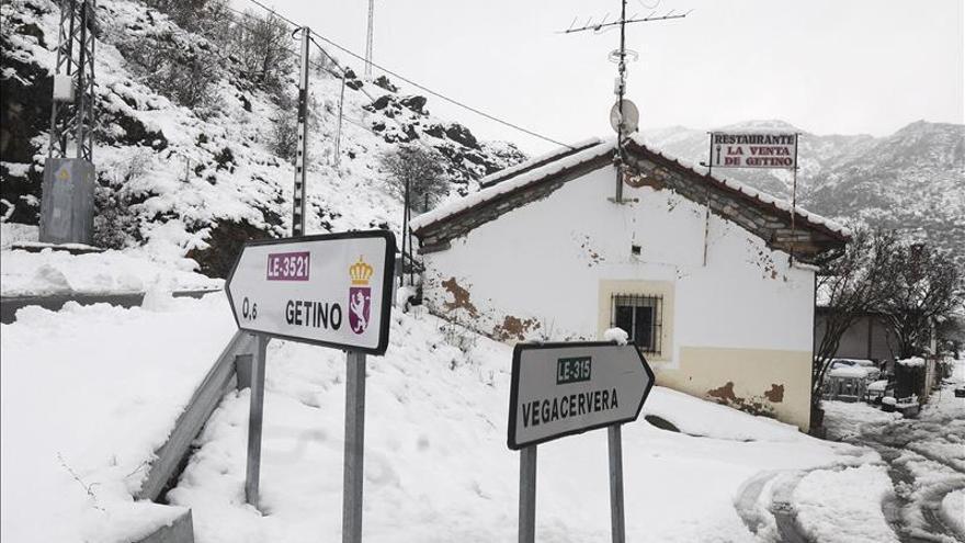 La nieve, el viento y el frío persisten y mantienen en alerta a 20 provincias