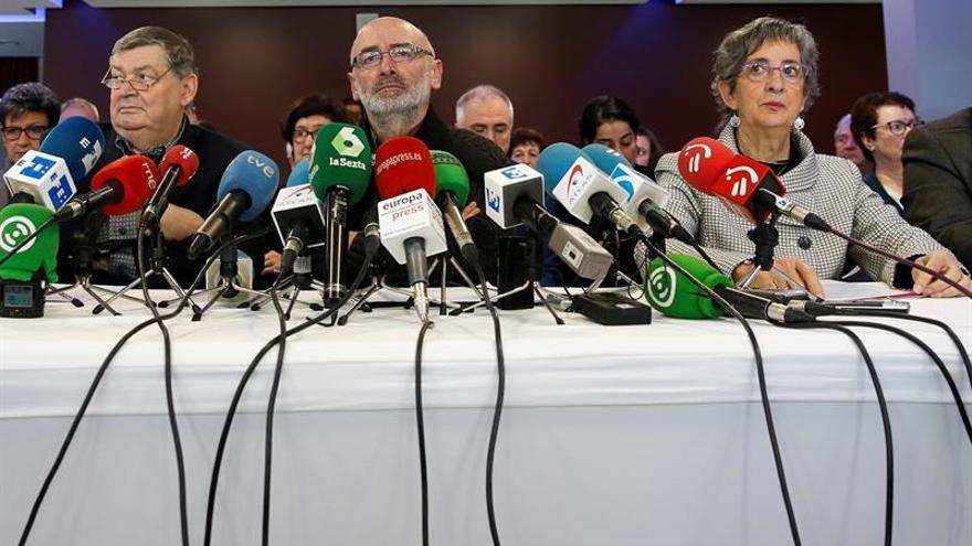 """""""Mediadores"""" en el desarme de ETA reiteran que será """"total"""" y """"verificable"""""""