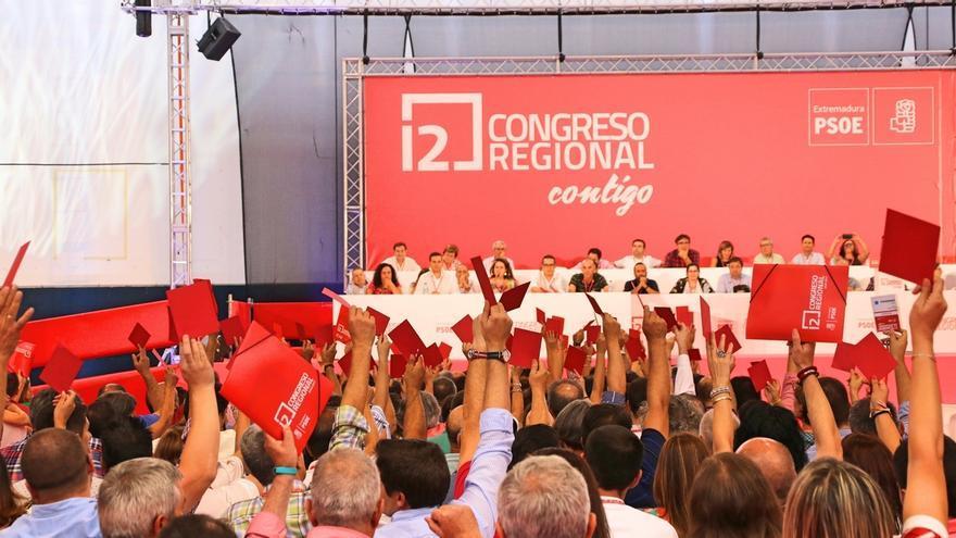El PSOE de Extremadura continúa este domingo su 12 Congreso Regional con la votación de los órganos del partido