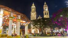 El Parque Principal de Campeche y su catedral son el centro neurálgico del casco antiguo.