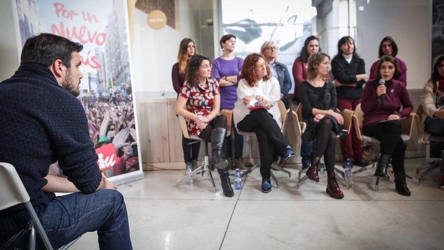 "Alberto Garzón anima a votar la previsibilidad de IU frente a otros que cambian su discurso ""cada semana"""