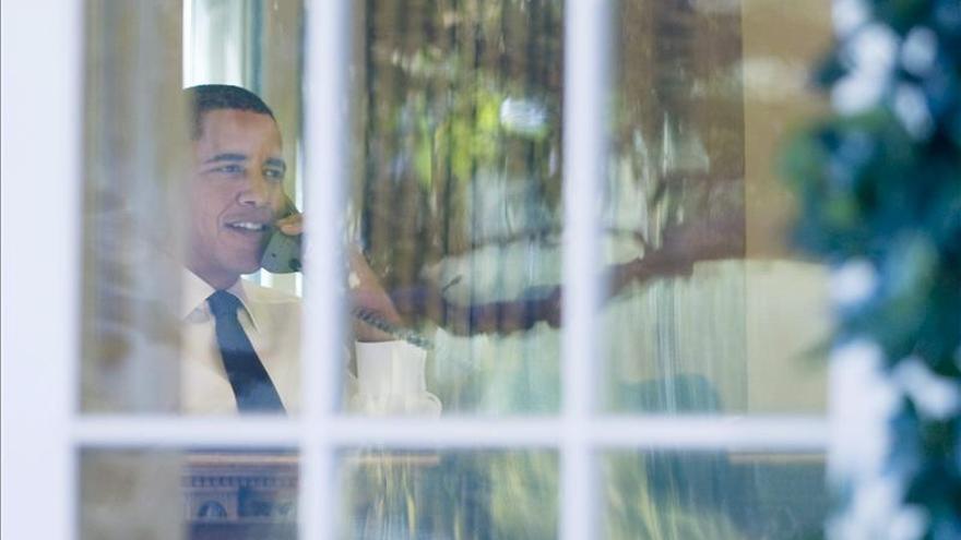 Obama llama por sorpresa a tres mujeres para felicitarles el Día de la Madre