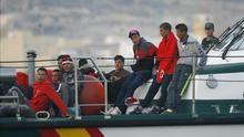 Rescatados 23 argelinos de una patera a diez millas de Garrucha (Almería)