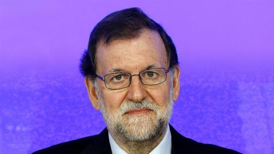 """Rajoy acusa a Sánchez de simulacro de investidura en una """"comedia de enredo"""""""