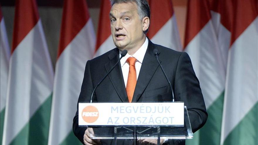 El Gobierno húngaro apoya a un cantante que hizo comentarios machistas