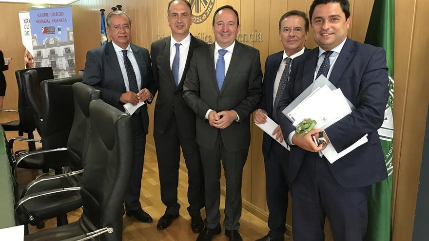 """Sanz dice que la reforma del Senado lo potenciará como """"lugar de encuentro"""" para solucionar problemas como el catalán"""