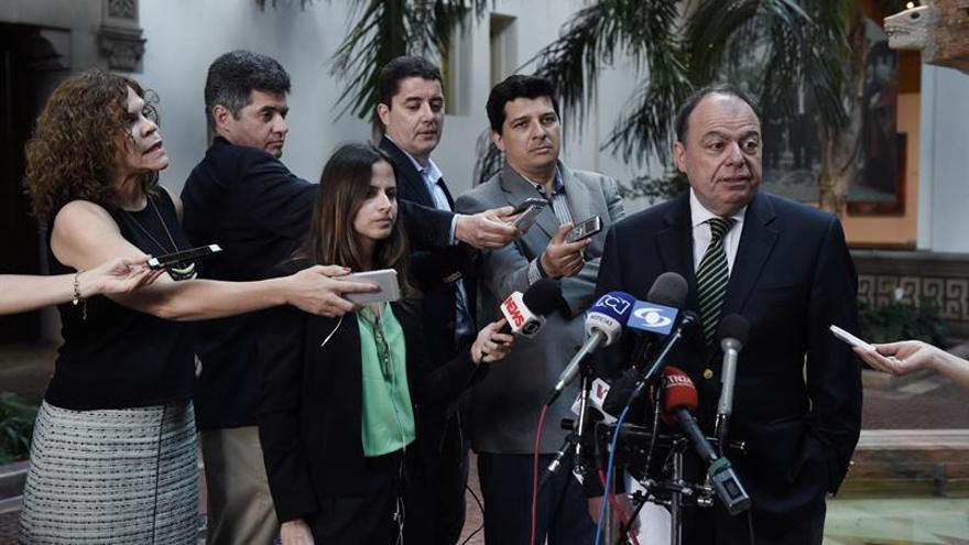 Argentina propone una vía alternativa a la Carta democrática para Venezuela