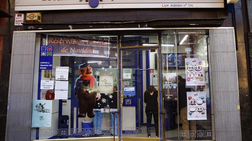 Una administración de Madrid reparte 360.000 euros del 18.102, quinto premio