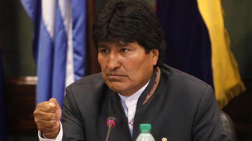 Morales dice que solo hay izquierda o derecha y pide apoyo para su reelección