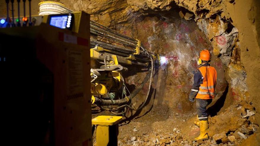 Una de las empresas del grupo CIMIC (ACS) se adjudicó contratos por un valor de unos 180 millones AUD (123 millones USD o 111 millones EUR) para brindar diversos servicios al sector minero en Australia.