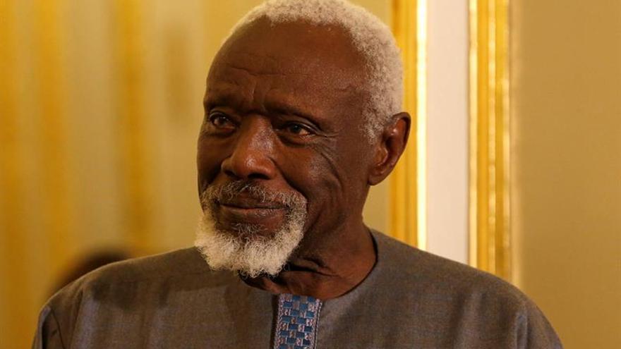 Muere Ousmane Sow, fisioterapeuta senegalés que esculpía guerreros gigantes