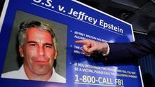 Un forense cree que el magnate Epstein no se suicidó y fue estrangulado en su celda