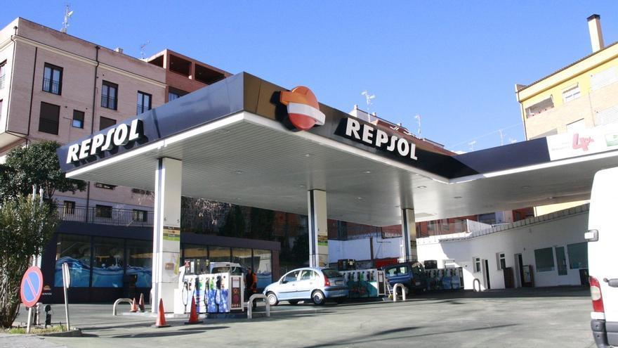 Las gasolineras y gasineras castellanomanchegas deberán tener al menos un surtidor adaptado a personas con discapacidad