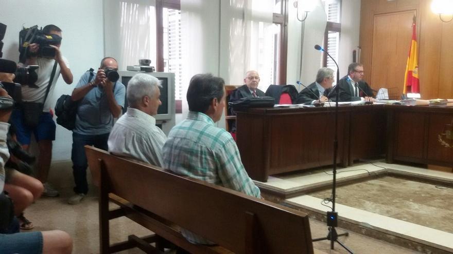 La jueza absuelve al exalcalde de Bunyola (Baleares) por la muerte de un joven electrocutado con una farola