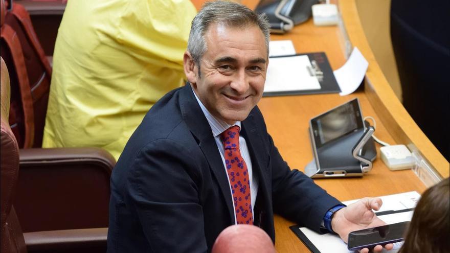 El diputado popular Miguel Barrachina en las Corts